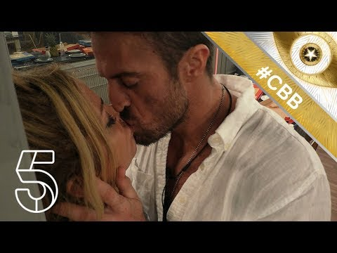 Sarah Harding and Chad Johnson lock lips! | Day 11
