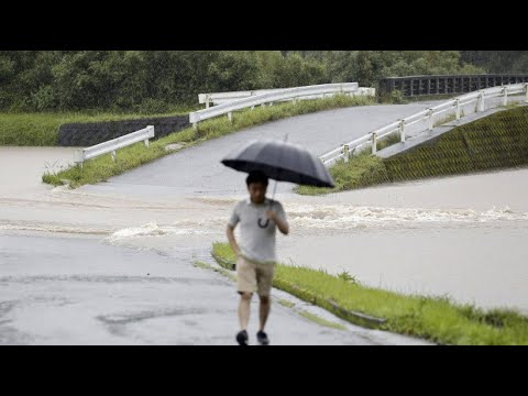 Japan: Heftige Regenfälle - eine Million Japaner solle ...