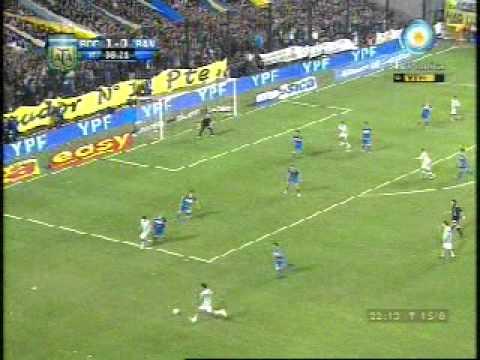 Facundo Ferreyra le marca a Boca Juniors