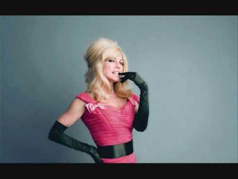 Tekst piosenki Fergie - Label po polsku