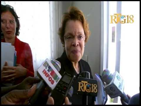 La Représentante spéciale du Secrétaire gnl. de l'ONU en Haiti, Sandra Honoré visite le parlement