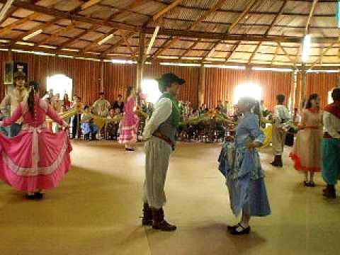 Festival de Dança da Cultura Gaucha em Pinhalzinho