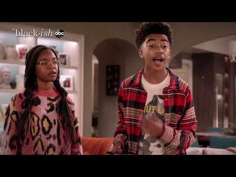 The Johnsons Celebrate Christmas in Compton - black-ish