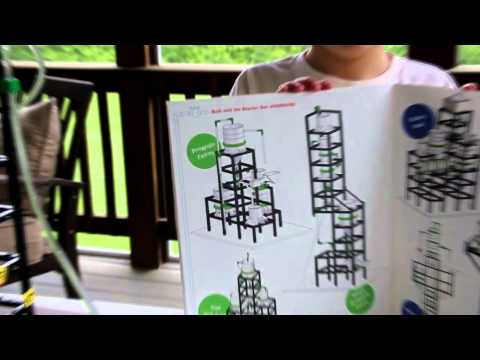 Hydrodynamic - http://www.DadDoes.Com Today we review the Hydrodynamic Deluxe Building Set by Bridge Street Toys. This expands on the Girders and Panels sets by adding wate...