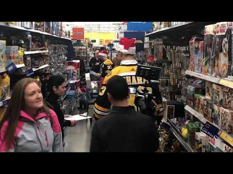 Video: Zdeno Chara, Bruins go toy shopping for the holidays