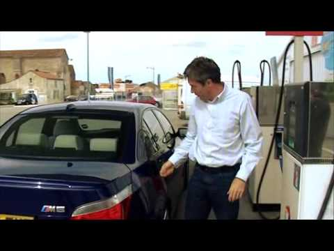 BMW M5 (E60) Tested by Tiff Needell (Fifth Gear)