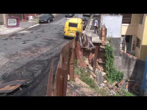 Rede de esgoto leva prejuízo a rua no Pq. João Ramalho