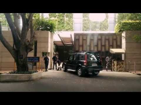 Video AMBANI'S HOUSE ENTRANCE !! : India's most amazing residence!!! (ANTILIA) download in MP3, 3GP, MP4, WEBM, AVI, FLV January 2017