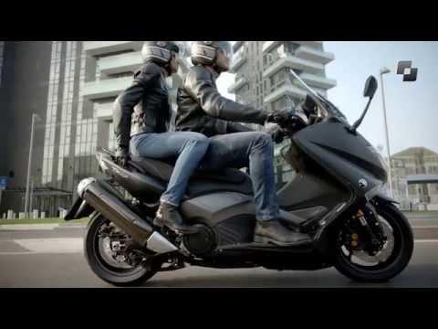 Vídeos de la Yamaha T-Max 530 ABS de 2015