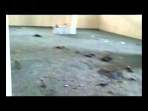 آثار ضرب الحوثيين على مسجد المزرعة بدماج