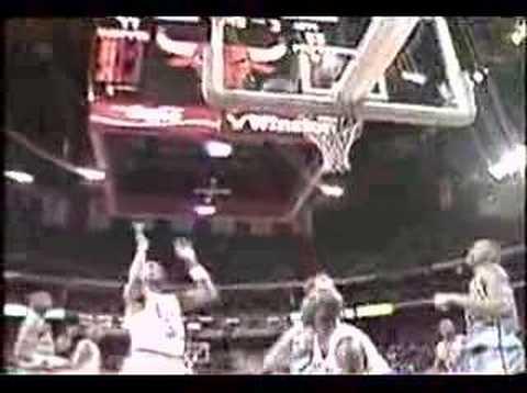 我們來算算看,籃球大帝麥可喬丹超經典的拉竿上籃到底拉了幾次?