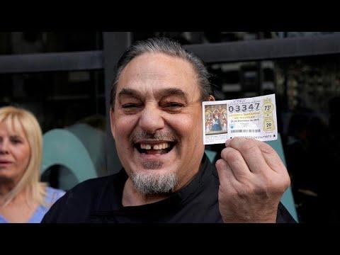 Ο «Χοντρός» της Ισπανίας έφερε τα δώρα του μοιράζοντας 2,4 δισ. ευρώ…