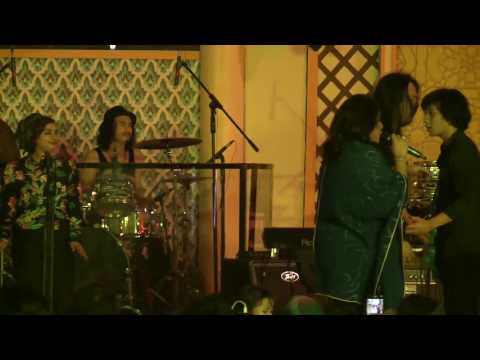 Audy Live Performance at #BlissfulRamadhan