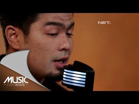 Download Lagu Bams  - Kenangan Terindah (Samsons Cover) (Live At Music Everywhere) * Music Video