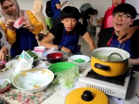 COOKING CLASS SMP MUHAMMADIYAH 5 SURABAYA WITH KOREAN STUDENT
