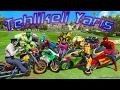 Motorsiklet ile Tehlikeli Yarış Örümcek Adam ve Süper Kahramanlar Yarışıyor Çizgi Film Gibi