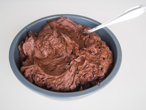 Amerikanische Schokobuttercreme / amerikanische Buttercreme mit Kakao