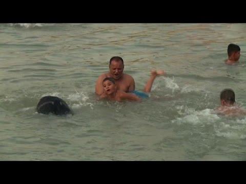 Iraq, boom corsi nuoto e giubbotti di salvataggio per migranti