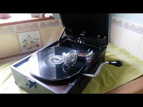 Tekst piosenki Debbie Reynolds - French Heels po polsku