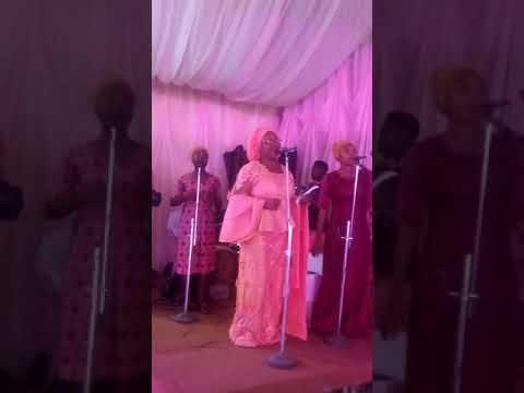 Mary Akinsade.a.k.a Ojumo ayo at wedding reception of Oluwasayo nd Joel held at Odundun town hall 13