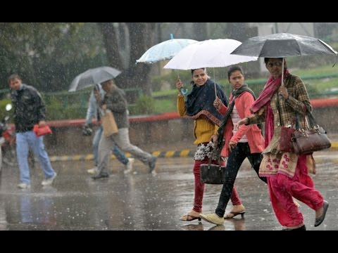 Heavy-rains-in-Delhi-provide-relief-for-residents-from-the-onslaught-of-intense-heat