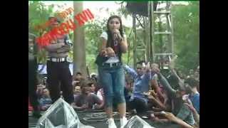 Ratna Antika ~ ADA GAJAH DI BALIK BATU Monata Live in Pekuwon Juwana 20-12-2014 Video