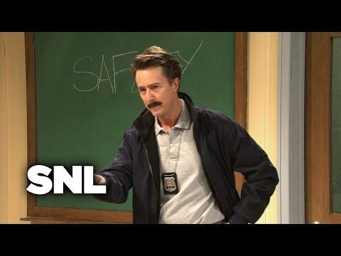 Shallon: Stranger Awareness - SNL