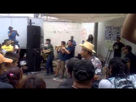 Los Skarnales -Salud- (EN EL CHOPO)
