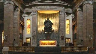 Den salige Álvaros kista flyttas från San Eugenio (Rom)