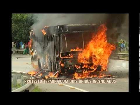Após protestos contra reajuste de passagens, ônibus voltam a circular em Ewbank da Câmara