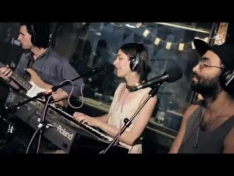 Like A Version - Chairlift covering Beyonce's 'Party' - Live At Triple J