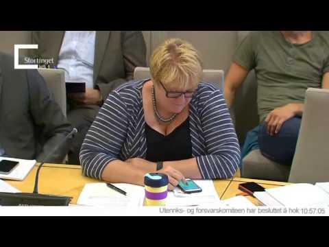 Norjan liberaalipuolueen puheenjohtaja pelailee Pokemonia kesken kokouksen