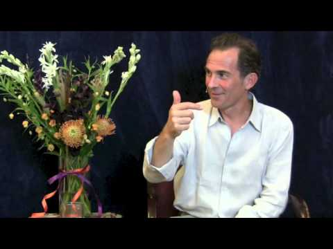 Rupert Spira Video: Awareness Experiences the Entire Universe as One