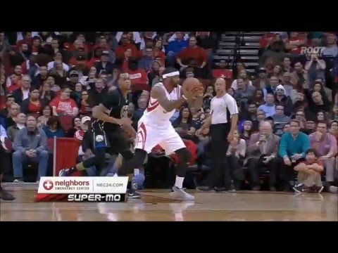 Josh Smith fires no-look pass, blocks dunk attempt