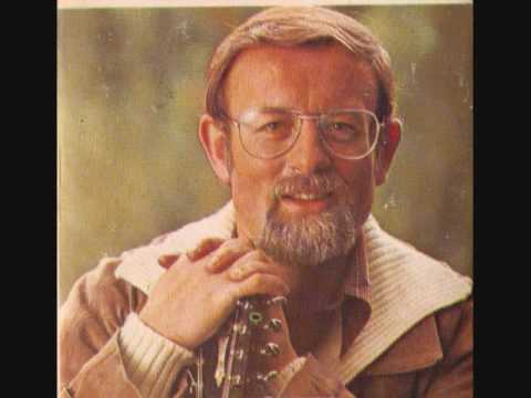 Roger Whittaker :No Blade Of Grass