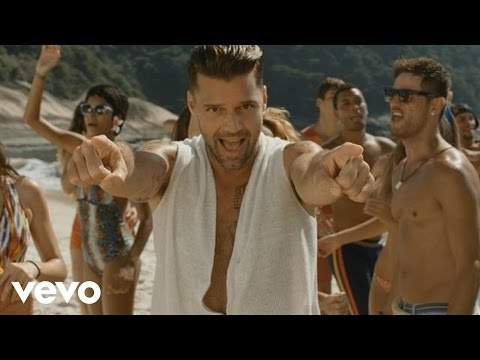 Click - iTunes: http://smarturl.it/RickyMartinVida Official music video by Ricky Martin performing Vida the SuperSong!
