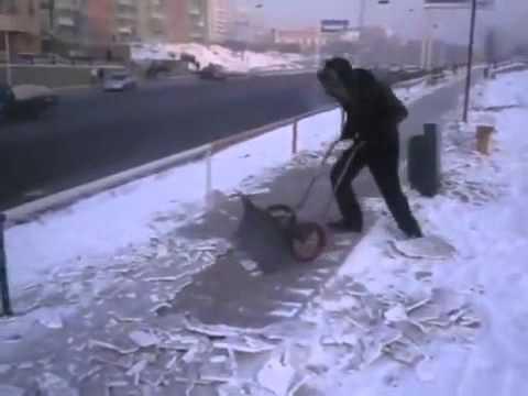 Отличное изобретение для чистки улиц от снега! (видео)