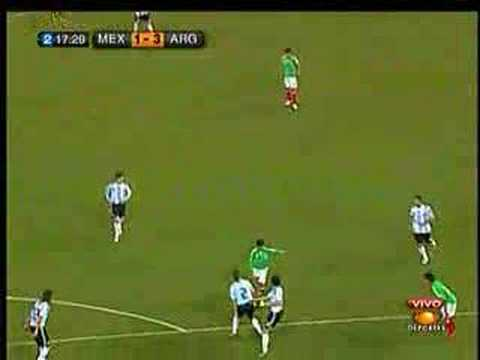 Gol de Sinha al cuadro Argentino.