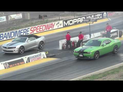 Dodge Challenger SRT8 vs. Camaro SS