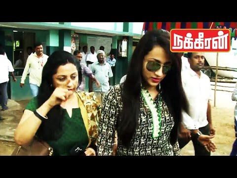 TRISHA-casts-her-vote-Celebrities-in-TN-Election-2016