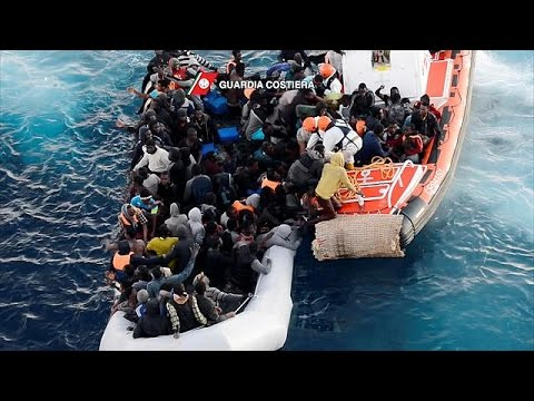 Τουλάχιστον 1.000 πρόσφυγες και μετανάστες διασώθηκαν στη Μεσόγειο