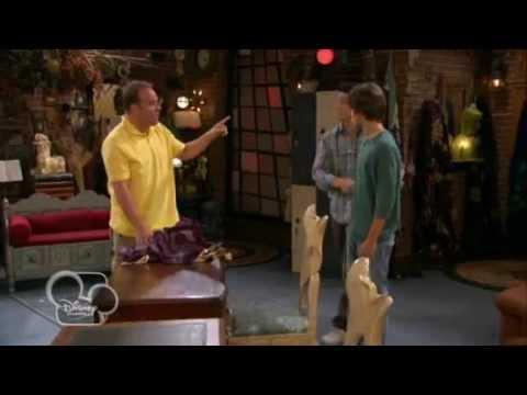 I Maghi di Waverly -- Il mantello magico della famiglia - Dall'episodio 84