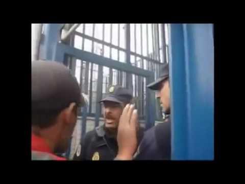 جمركي مغربي يفحم شرطي اسباني