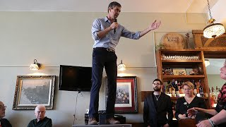 Will Beto O'Rourke's Hand Gestures Be a Distraction?