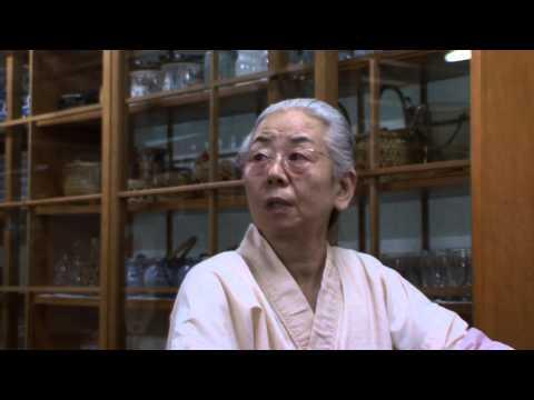 012 定食屋「井上」のお母さん(アナザーテイク)