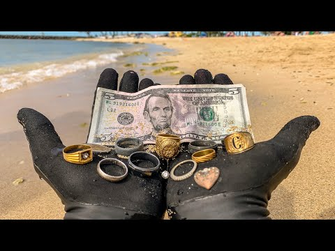 I Found 9 Wedding Rings Underwater in the Ocean While Metal Detecting! $10,000+ (Returned to Owner)