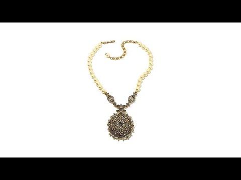 Heidi's Unforgettable Lavaliere Locket Necklace