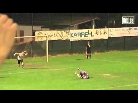 Strangest penalty in the history of football (Soccer) hahahahahahaha