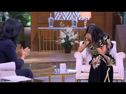 دنيا بطمة تبكي خلال الحديث عن زواجها من والد حلا الترك