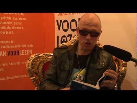 Paul van Loon leest voor